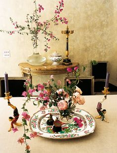 Mona Mina. Floral table
