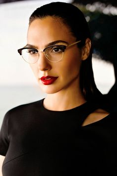 Gal Gadot with Glasses 😍😍😍😍😍😍😍