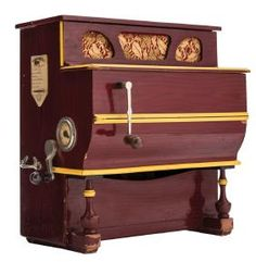 BARREL ORGAN. SPAIN, EARLY 20th CENTURY. Brand: VICENTE