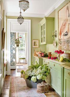 Sarah Bartholomew Infuses Color into a 1920s Nashville Home - The Glam Pad