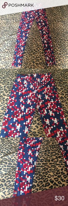 Lularoe size one leggings geometric women's Gently used no stains or holes super cute on can be dressed up or down LuLaRoe Pants Leggings