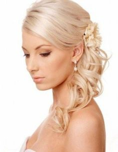 Wedding hairstyles for long thin hair 60 quick and easy hairstyles for short long & curly hair Thin Curly Hair, Long Thin Hair, How To Curl Short Hair, Curly Hair Styles, Long Curly, Wedding Hairstyles For Medium Hair, Unique Wedding Hairstyles, Bride Hairstyles, Easy Hairstyles