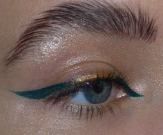 Image in makeup collection by - on We Heart It Matte Liquid Eyeliner, Eyeliner For Hooded Eyes, No Eyeliner Makeup, Skin Makeup, Eyeliner Waterline, Natural Eyeliner, Simple Eyeliner, Winged Eyeliner, Makeup Ideas