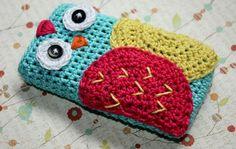 Crochet owl cell phone cover.