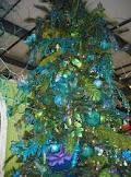 Christmas tree theme Peacock Christmas, Christmas Tree Themes, Holiday Tree, Holiday Decor, Peacock Theme, Pretty, Trees, Home Decor, Decoration Home