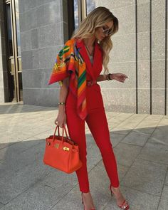 101 Things That Happen To You When You Become A Well Dressed Woman - Hello Bombshell! Mode Outfits, Fashion Outfits, Womens Fashion, Luxury Fashion, Look Kylie Jenner, Queen Dress, Elegantes Outfit, Mode Style, Classy Outfits