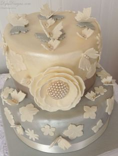 - Special Design and Decor for Special Diamond Wedding Anniversary Cakes- Do you think that wedding ceremony is the most precious moment? Having a diamond wedding anniversary will be more precious. Diamond Wedding Anniversary Cake, Diamond Wedding Cakes, Anniversary Cake Designs, Anniversary Cookies, Fondant, Cupcake Cakes, Cupcakes, Wedding Ceremony, Paper Crafts