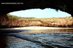 Playa escondida o playa del amor.  En las islas marietas Travel Photos, Landscape, World, Beach, Water, Photography, Outdoor, Hidden Beach, Viajes