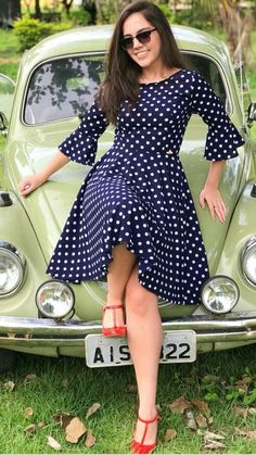 Sweet polka dot dress with red shoes Sweet polka dot dress with red shoes Trendy Dresses, Modest Dresses, Modest Outfits, Classy Outfits, Elegant Dresses, Casual Dresses For Women, Vintage Dresses, Beautiful Dresses, Dress Outfits