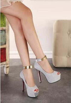 Everything You Didn't Know You Wanted to Know About High Heels: Platforms, Wedges, and Pumps. Sexy High Heels, Frauen In High Heels, Ankle Strap High Heels, Platform High Heels, Womens High Heels, Strap Sandals, Stilettos, Pumps Heels, Suede Pumps