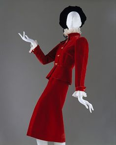 """Suit House of Chanel (French, founded Designer: Gabrielle """"Coco"""" Chanel (French, Saumur Paris) Date: 1938 Culture: French Medium: silk Dimensions: (a) Length at CB: 22 in. cm) (b) Length at CB: 29 in. cm) Credit Line: Gift of Diana Vreeland, 1954 Chanel Vintage, Vintage Couture, 1930s Fashion, Chanel Fashion, French Fashion, Vintage Fashion, Suit Fashion, Moda Vintage, Vintage Mode"""