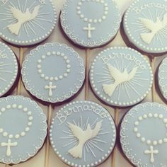 Pirulitos de chocolate. Baby Boy Baptism, Baptism Party, Baby Party, First Communion Cakes, First Holy Communion, Christening Cookies, Confirmation Cakes, Baptism Decorations, Fancy Cookies