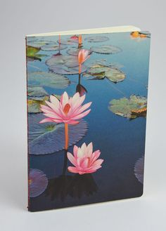 These beautiful waterlilies bloom on this new #floral #notebook. #MadeInItaly #giftidea  #floral €0.99 http://shop.favini.com/en/prod_det.php?cid=1_3&pid=69