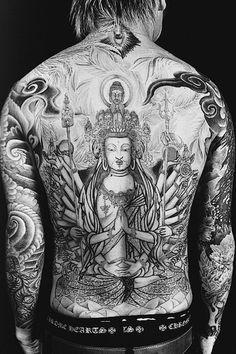 Rockstar Back Tattoo (Kyo of Dir en grey) Buddhist Symbol Tattoos, Buddhist Symbols, Hindu Tattoos, Visual Kei, Kyo Dir En Grey, Body Art Tattoos, Tattoo Ink, Buddha Tattoos, Tattoo Ideas