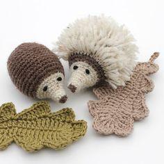 Herfsthaaksels (4): egels | Hilde Haakt | Bloglovin Crochet Fall, Crochet Home, Cute Crochet, Beautiful Crochet, Knit Crochet, Crochet Animal Patterns, Stuffed Animal Patterns, Amigurumi Patterns, Crochet Animals