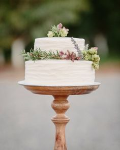 A simple and sweet rustic wedding cake: http://www.stylemepretty.com/colorado-weddings/2015/01/15/rustic-farm-to-table-wedding-inspiration/ | Photography: Cat Mayer - http://www.catmayerstudio.com/