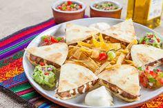 comida mexicana - Pesquisa Google Mexican Food Recipes, Ethnic Recipes, Guacamole, Tacos, Quesadillas, Recipes, Party, Mexican Meals, Mexican