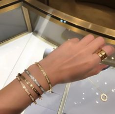 Bracelets are amazing now Cartier Bracelet, Cartier Jewelry, Cute Jewelry, Jewelry Accessories, Jewelry Necklaces, Jewellery, Love Bracelets, Luxury Jewelry, Jewelry Collection