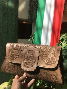 Tooled leather clutch @mexichiccrafts Tooled Leather Purse, Leather Tooling, Leather Clutch, Leather Purses, Bags, Handbags, Totes, Hand Bags, Leather Handbags
