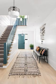 Modern Fresh Interior Design Style Ideas For Black and White Wall Art Modern Staircase, Staircase Design, Staircase Ideas, Staircase Remodel, Entryway Ideas, Home And Deco, Interiores Design, Entryway Decor, Stair Wall Decor