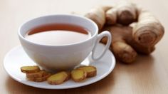 Ginger tea is the only beverage that holds so many benefits you don't even imagine. For this, check out some amazing health benefits of ginger tea for you Detox Drinks, Healthy Drinks, Ginger Benefits, Health Benefits, Tea Benefits, Turmeric Tea, Liver Cleanse, Natural Health Remedies, Loose Weight