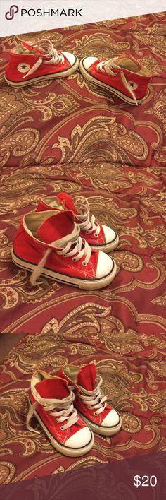 ❤️️❤️️❤️️CHUCKS❤️️❤️️❤️️ ❤️️❤️️❤️️super cute high top chucks❤️️❤️️❤️️unisex..good condition Converse Shoes Sneakers
