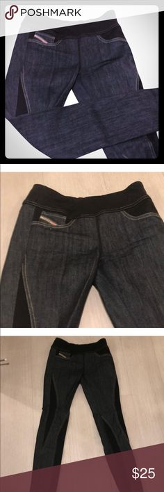 Diesel jeans 👖, amazing jeans , they fit 👍 nice This jeans  are very unique, no zipper , no buttons. They stretch a little to be able to pull them up, the waist stretches good. I recommend this jeans for people with curves, it will hold very well... Diesel Pants Skinny
