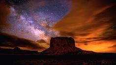 YIKÁÍSDÁHÁ。YIKÁÍSDÁHÁ -天の川やギャビンHeffernanの(www.SunchaserPictures.com)とハルーンMehmeによる「夜明けを待っているもの」···のためのナバホ