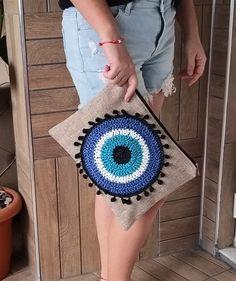 Crochet Clutch, Crochet Handbags, Crochet Purses, Crochet Eyes, Diy Crochet, Crochet Beach Bags, Anne With An E, Summer Tote Bags, Knitted Bags