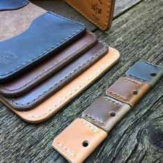I had fun picking out some colors that made me think of fall. How do you think we did?! #woodnsteel #handmade #leather #wallet #leathergoods #menstyle #menswear #mensfashion #madeinusa #indiana #horween #chromexcel #handsewn #leatherwork #dailycarry #edc #keychain