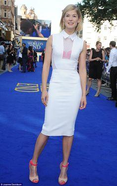 Rosamund Pike in Victoria Beckham