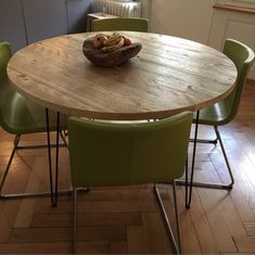 Reclaimed Round Dining Table Industrial Solid Wood Hairpin legs Rustic Kitchen Table Scaffold Board Furniture Home Interior Design