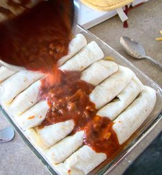 homemade enchilada sauce - from budget gourmet mom Fast Healthy Meals, Healthy Food, Healthy Recipes, Homemade Enchilada Sauce, Red Chili, Foods With Gluten, Salad Dressings, Amazing Recipes, Enchiladas