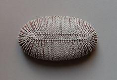 Home Decor, Crochet Lace Stone, Table Decoration, Woodland, Nature, Handmade, Original, Beige Thread, Oval Stone auf Etsy, 44,46€