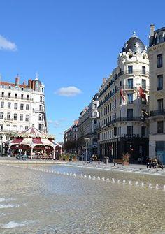 Lyon centre ville (city center) rue de la République Bellecour Lyon, Lyon France, European Countries, Rhone, Centre, Cruise, Street View, Kitty, River