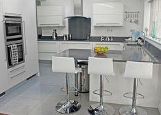 Professionally Installed Dobsons kitchen. Crown Rialto Kitchen with Midnight Corian worktop