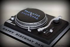 record player birthday cakes   Technics Turntable Cake