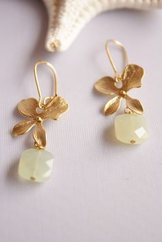 Green Jade Stone Gold Floral Earrings by catilla on Etsy, $18.00