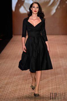 Lena Hoschek - Pret a porter - Otoño-Invierno 2014-2015 - http://es.flip-zone.com/fashion/ready-to-wear/independant-designers/lena-hoschek-4434