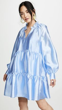 Find and compare Jasmine Dress across the world's largest fashion stores! China Mode, Jasmine Dress, Diy Vetement, V Neck Wedding Dress, China Fashion, Look Chic, Fashion Outfits, Womens Fashion, Bridesmaid Dresses