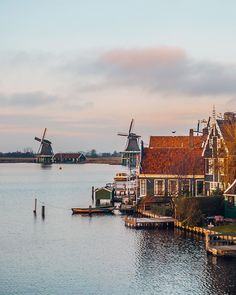 #BLOGPOST It's hard to find another as classy country, as #Netherlands are. From small villages, like #ZaanseSchans, to big metropolitan cities, like Amsterdam - everything looks #awesome there! ☺ After a number of short #roadtrips through this country, we have collected quite a gallery of beautiful shots which we would very much like to share with you! So, today we would like to invite you to check the new post on our #travelblog (LINK IN BIO), where you'll find 20 shots that, we believe…