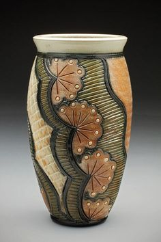 473px-710px-Vase-from-Insomnia-Pottery.jpg