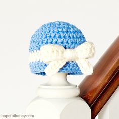 Darling Newborn Crochet Baby Hat and Bow free pattern.