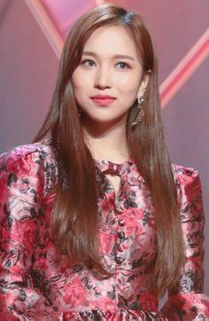 Nayeon, Sana Momo, Bias Kpop, Myoui Mina, Twice Kpop, Tzuyu Twice, Bae Suzy, Black Swan, Beautiful Asian Women