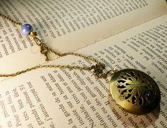 Collier médaillon boîte à secret ou porte photo de couleur bronze : Collier par mademoiselle-topaze-bijoux