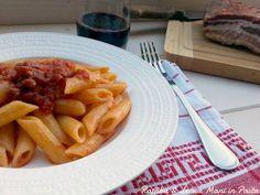 L'amatriciana è un condimento per la pasta che ha preso il nome da Amatrice; gli ingredienti principali sono il guanciale, il pecorino e il pomodoro.