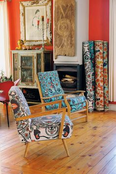 Contemporary Design Africa - Featured designer: Julie Juu and Jennifer Paris textile by Shine Shine, South Africa. Image courtesy Peter H. Maltbie for Shine Shine Modern African print textiles South African Decor, South African Homes, South African Design, African Home Decor, African Living Rooms, African Room, African House, African Art, African Interior Design