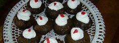 APPELTERTJIES APPELTERTJIES (24 tertjies) 220ml Margarien 500ml suiker 6 eiers 100ml melk 500ml koekmeelblom 10ml bakpoeier 2ml sout 1 groot blik appels Sous 200ml cremora melkpoeier 400ml kookwater... Jam Tarts, Small Cake, Savory Snacks, Short Ribs, Afrikaans, Homemade Cakes, No Bake Cake, Lp, Catering