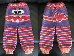 Ravelry: Monster longies (Monsterbukse) pattern by Kristine Jorskogen Knitting For Kids, Baby Knitting Patterns, Baby Patterns, Easy Knitting, Knit Baby Pants, Baby Cardigan, Crochet Baby, Knit Crochet, Baby Overall
