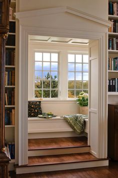 36 Fabulous home libraries showcasing window seats